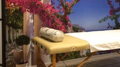 2 o 4 sesiones de masaje anticelulítico o circulatorio con ventosas y drenaje.