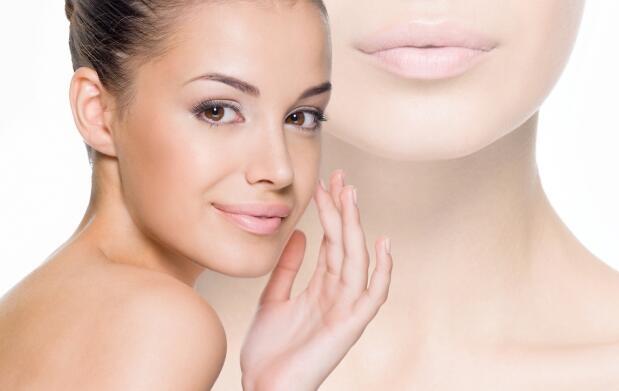 Peeling químico Ferulac para pieles fotoenvejecidas prematuramente y con marcas de acné