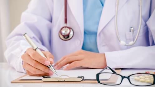 Revisión ginecológica, exploración mamaria y ecografía con opción a citología