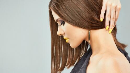 Sesión exclusiva de peluquería: Lavar + Cauterización con queratina + peinar. Opción a corte