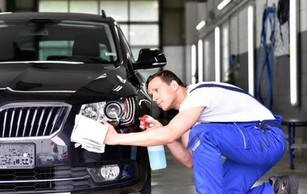 Limpieza de coche a mano con desinfección de Ozono. Opción limpieza de tapicería