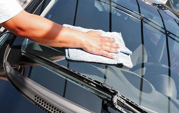 Lavado, limpieza y revisión de tu coche