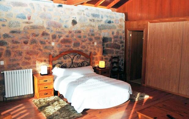 Hotel en Ribeira Sacra, crucero por el Sil, bodega
