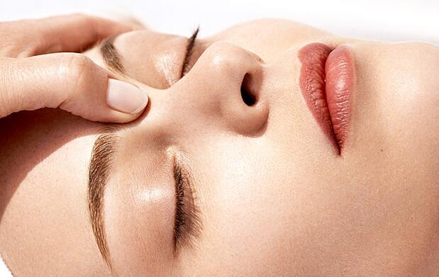 Masaje cráneo-facial y cervical en Vigo