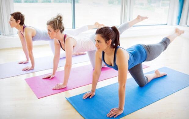1 mes de pilates, yoga o entrenamiento  personal