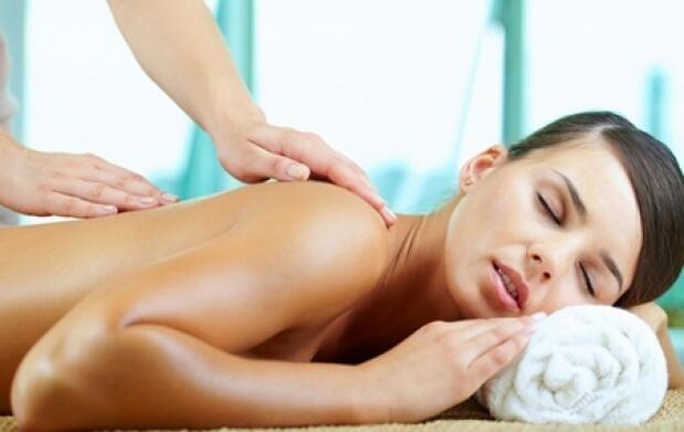 Masaje y tratamiento facial completo
