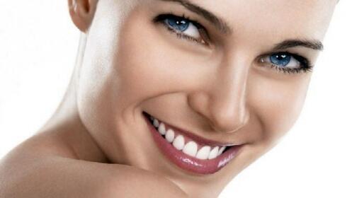Limpieza facial con diseño de cejas