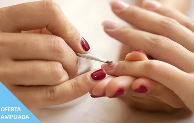 Luce unas magníficas uñas de gel